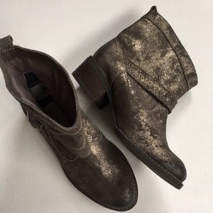 NWT Naughty Monkey leather boots